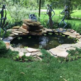 Декоративный пруд и водоем